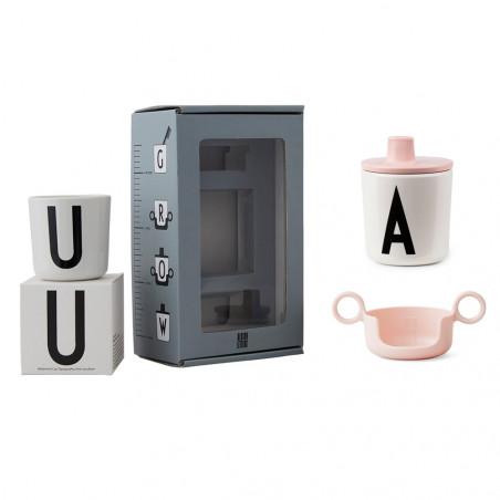 Pack regalo rosa con vaso melamina A-Z - Design Letters
