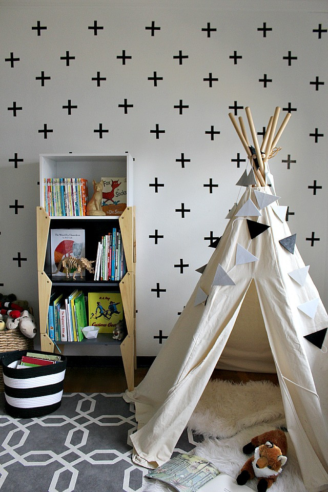 diy-cross-wall-pia-wallen-inspired