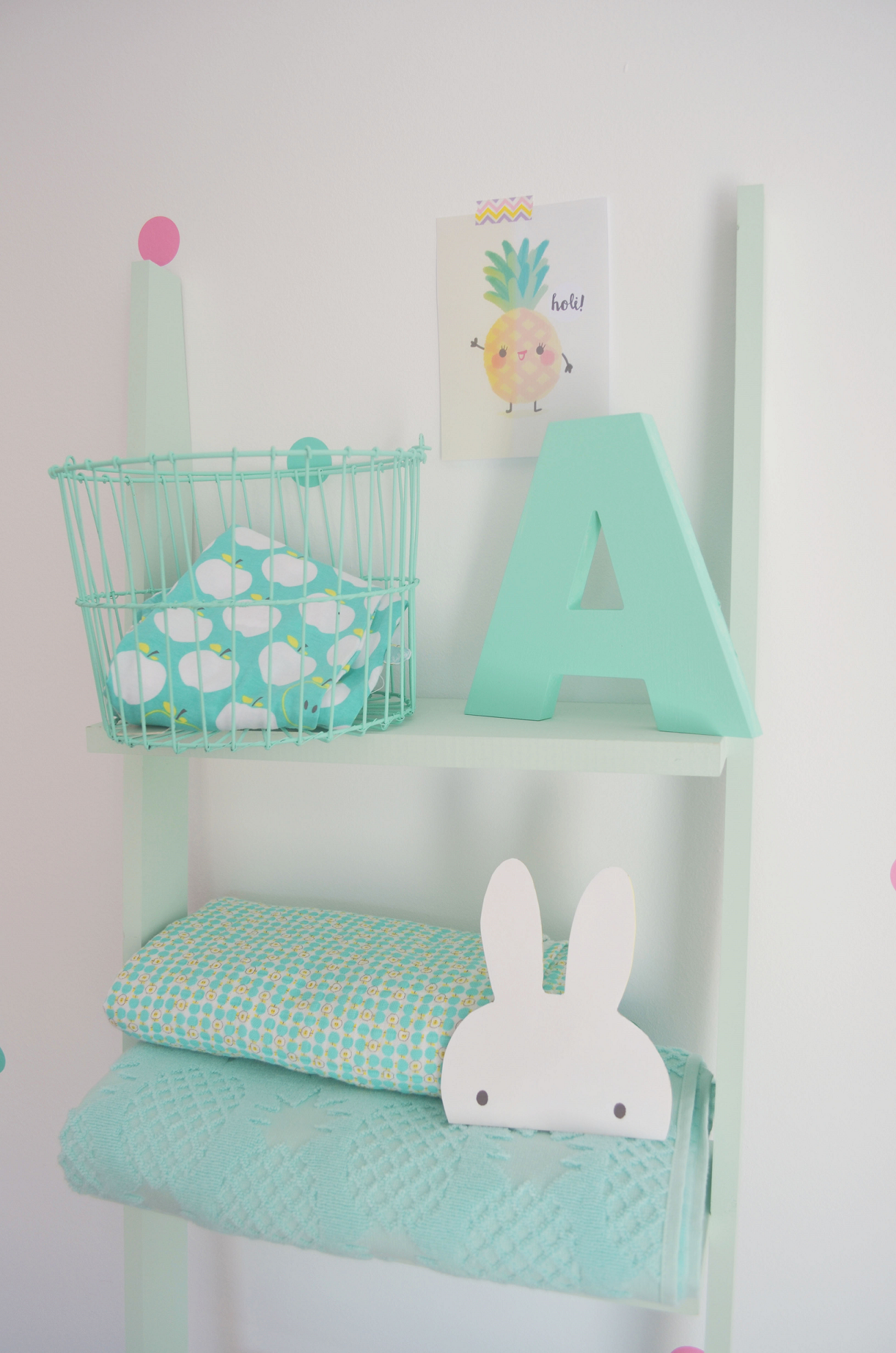 Deco kids blog de decoraci n infantil cosas bellas para - Estanterias originales de pared ...