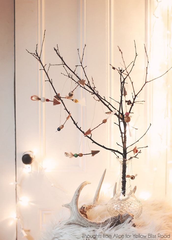 Simple-Twig-Christmas-Tree-with-Arrow-Ornaments